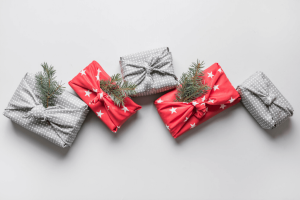 Furoshiki - Japanese fabric gift wrapping