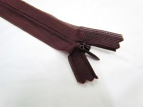 Great value Invisible Zip- Cranberry- 175 available to order online New Zealand